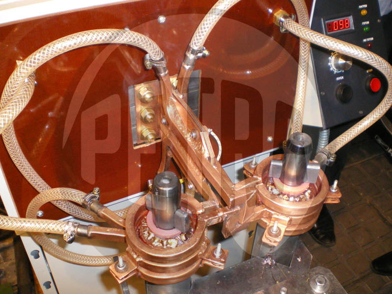 В ООО «Алмаз» запущена индукционная установка ПЕТРА-0501-63-18,0 для пайки пакетов роторов.