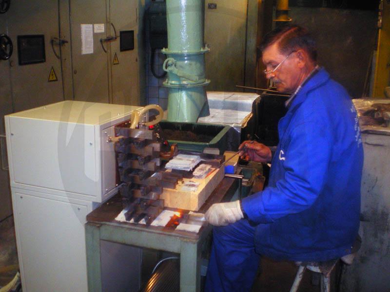 Индукционная установка ПЕТРА-0501 для пайки резцов на Саратовском подшипниковом заводе