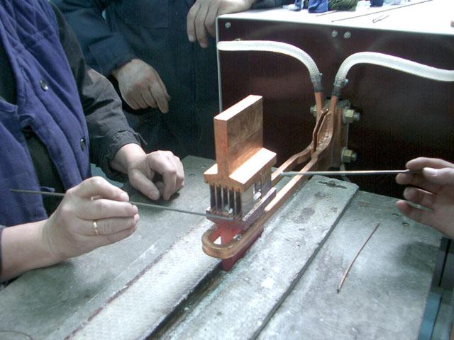 Установка индукционного нагрева ПЕТРА-0501 для пайки шунтов в ОАО «Электроприбор»