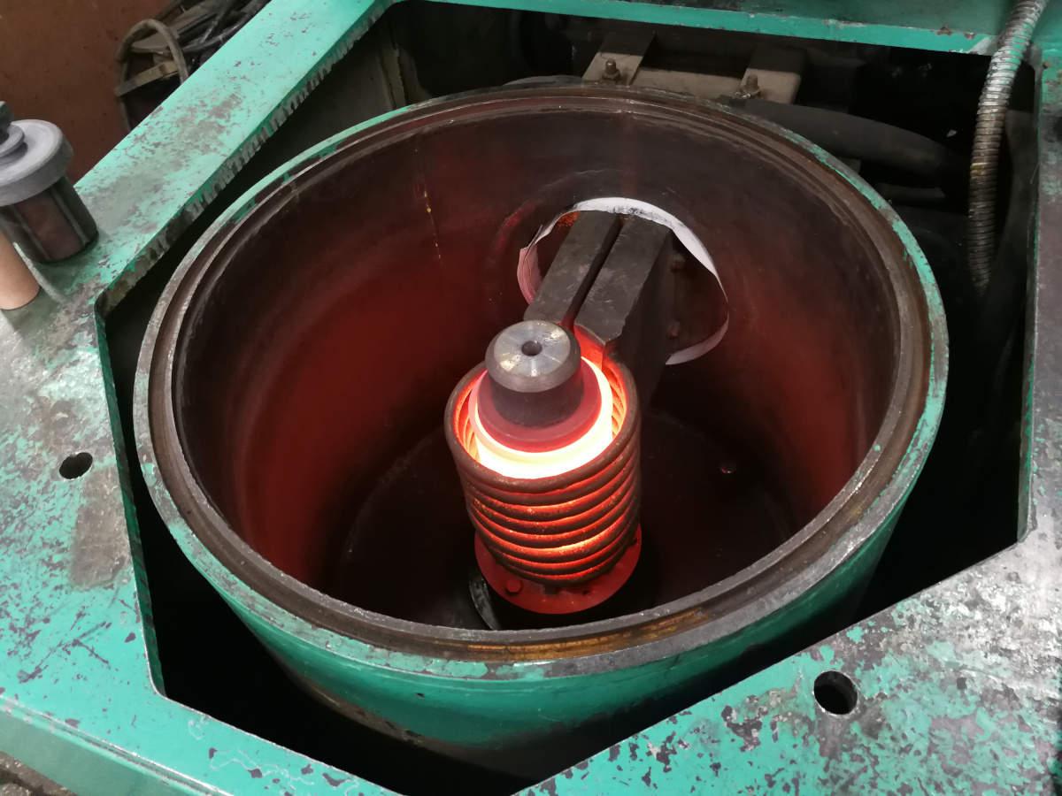 Индукционная установка центробежной заливки роторов