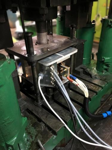 блок индуктора со встроенной компенсирующей батареей