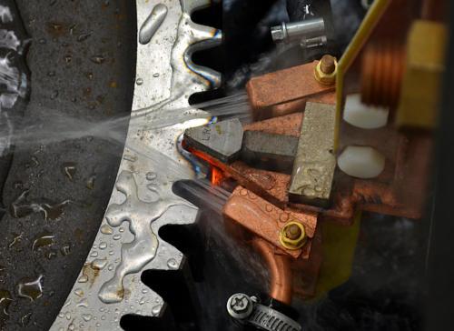 Автоматизированная индукционная закалка шестерни