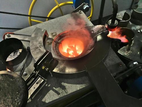 Плавка металла в индукционной печи