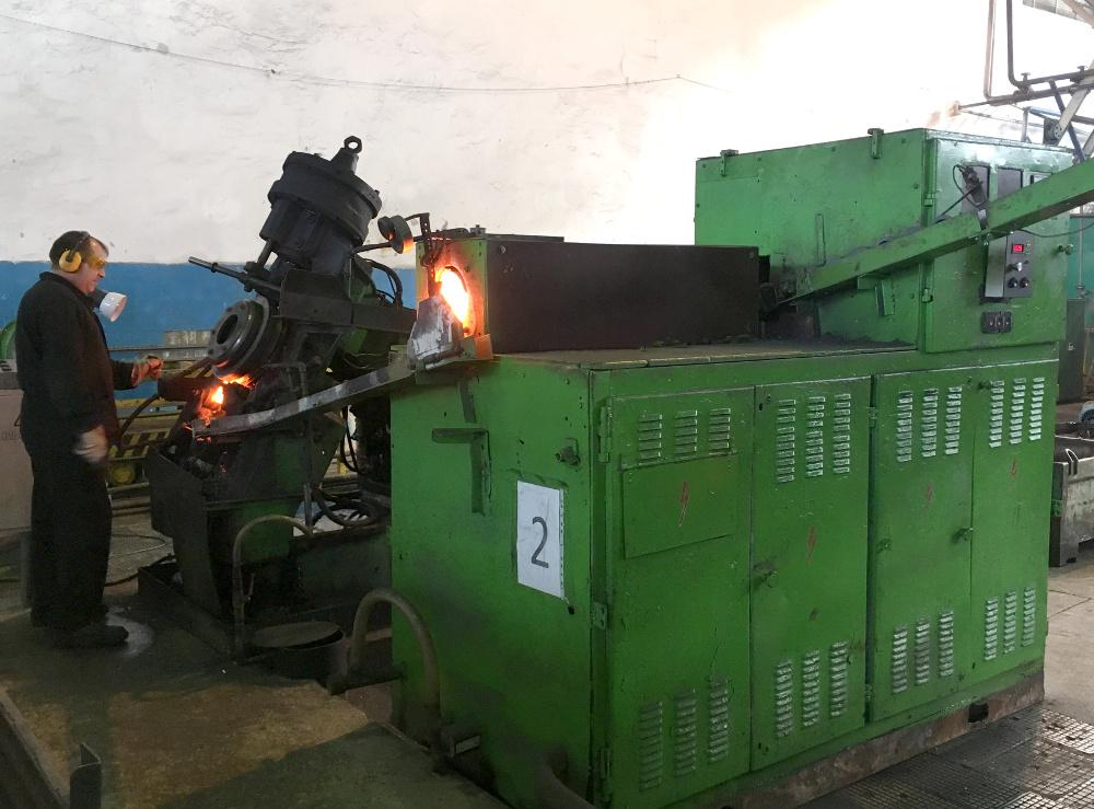 Индукционная установка для нагрева заготовок колец подшипников